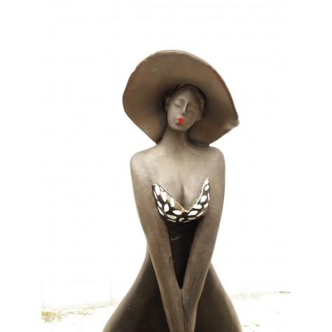 Vrouw met witte stipjes